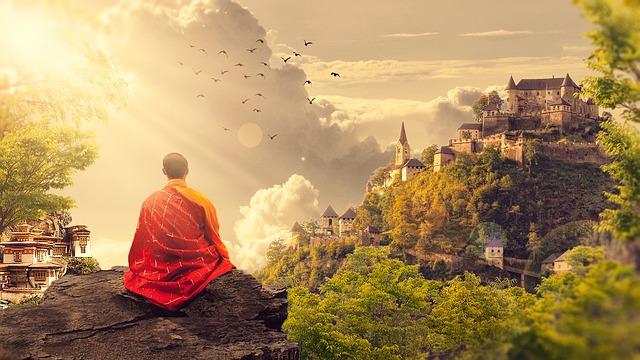 mnich při meditaci