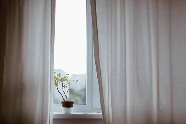 okenní závěsy