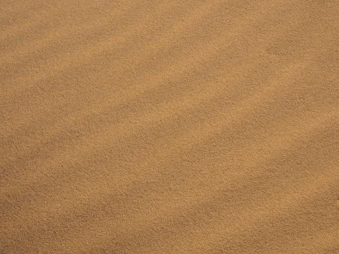 tmavý písek