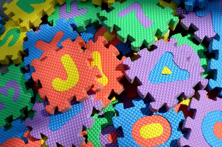 pěnová písmena -  puzzle.jpg