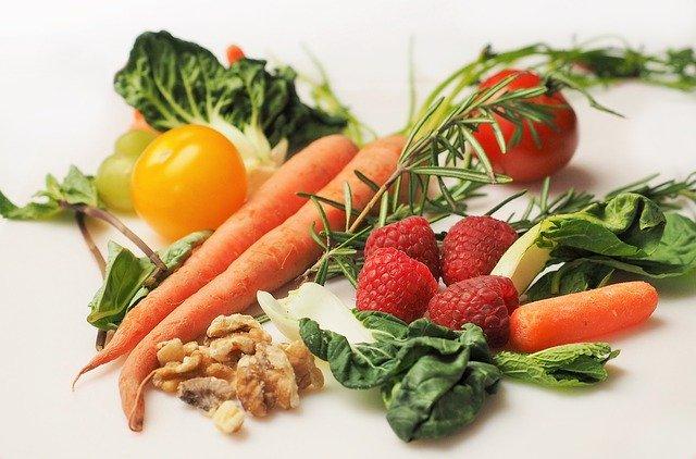 zelenina, mrkev, ořechy