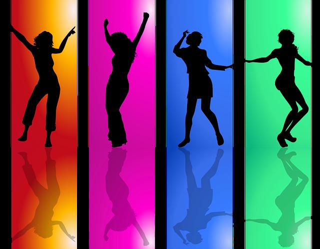Čtyři tančící postavy v barevném poli